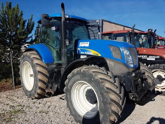 Tracteur agricole New Holland T7050APC - 1