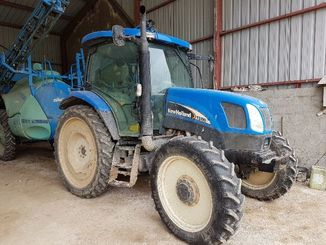 Tracteur agricole New Holland TSA100 - 2