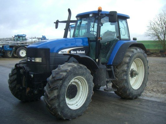 Tracteur agricole New Holland TM175 - 1